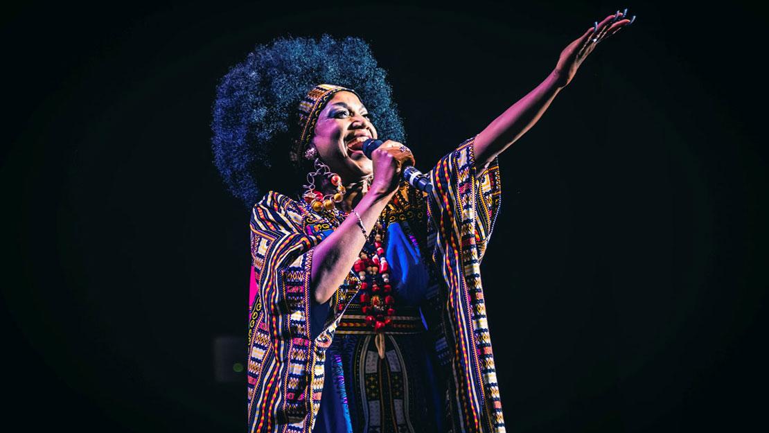 Lucrecia as Celia Cruz